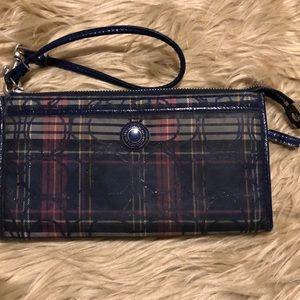 Coach Multicolored Wristlet/Wallet! (A533)
